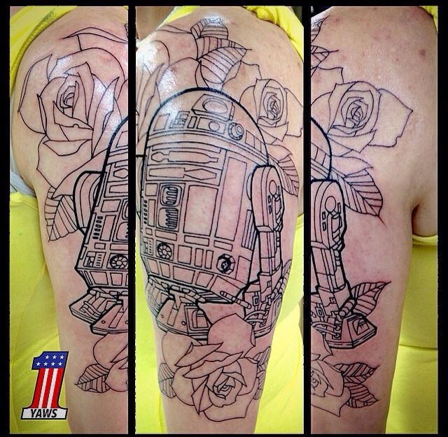 Star Wars R2D2 tattoo done by Chris Yaws here at @mantratattoo