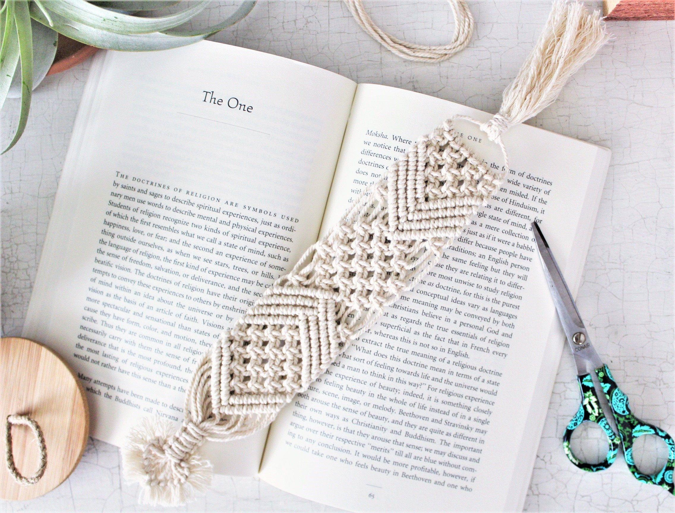 Macrame Bookmark Bookmarker Boho Bookmark Place Etsy Macrame Book Lovers Gifts Macrame Patterns