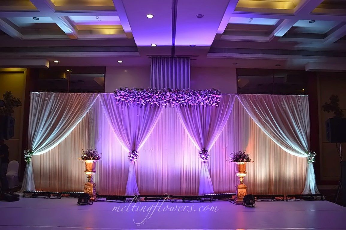 Guide To Choose The Right Banquet Hall In Bangalore Wedding Stage Decorations Stage Decorations Wedding Stage Design