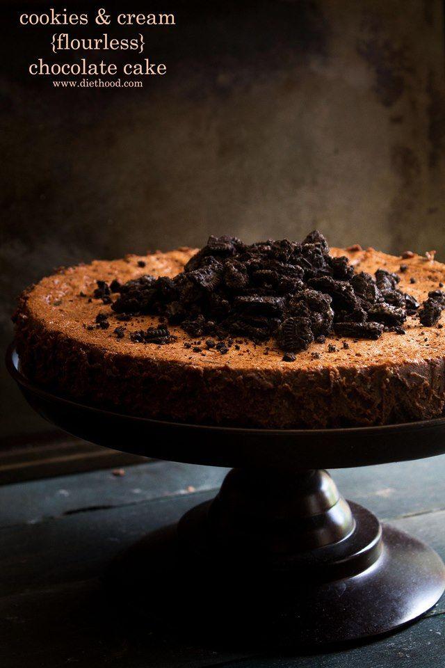 Cookies and Cream Flourless Chocolate Cake | Diethood