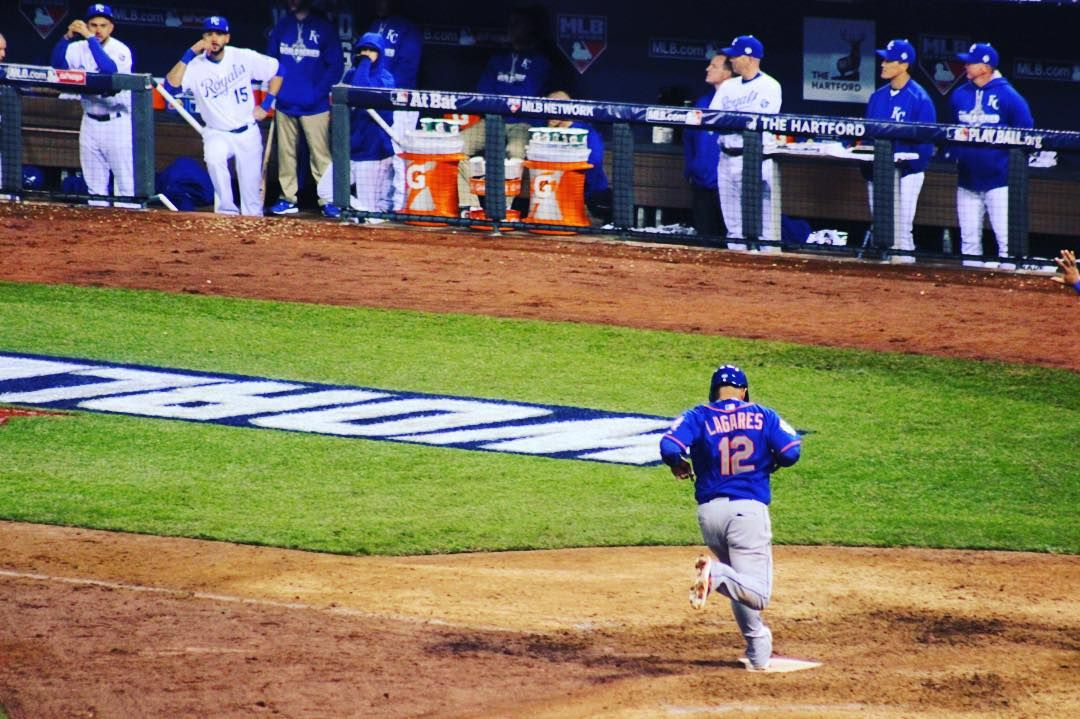"""@jlagares12 singles, steals second then scores on an error. We lead 4-3. #Mets #LGM"""