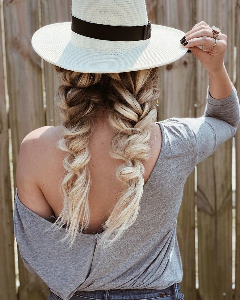 52 Trendy Chic Braided Hairstyle Ideas You Should Try - big braids , braid hairstyle ,Fishtail braids,hairstyle ideas #hairstyle #hairstyles