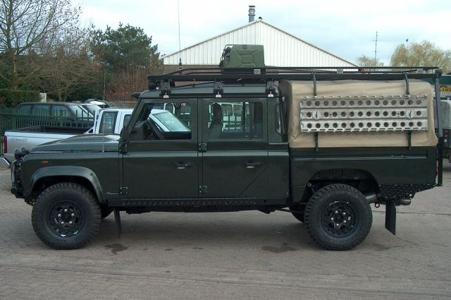 defender 130 with full length roof rack land rover. Black Bedroom Furniture Sets. Home Design Ideas