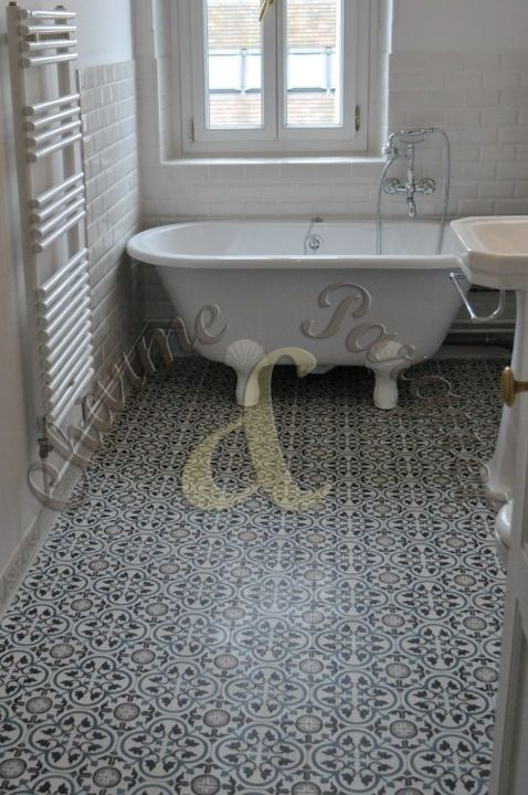 Sol de salle de bain en carreaux de ciment carreaux de ciment pinterest carrelage de - Carreaux de ciment paris ...