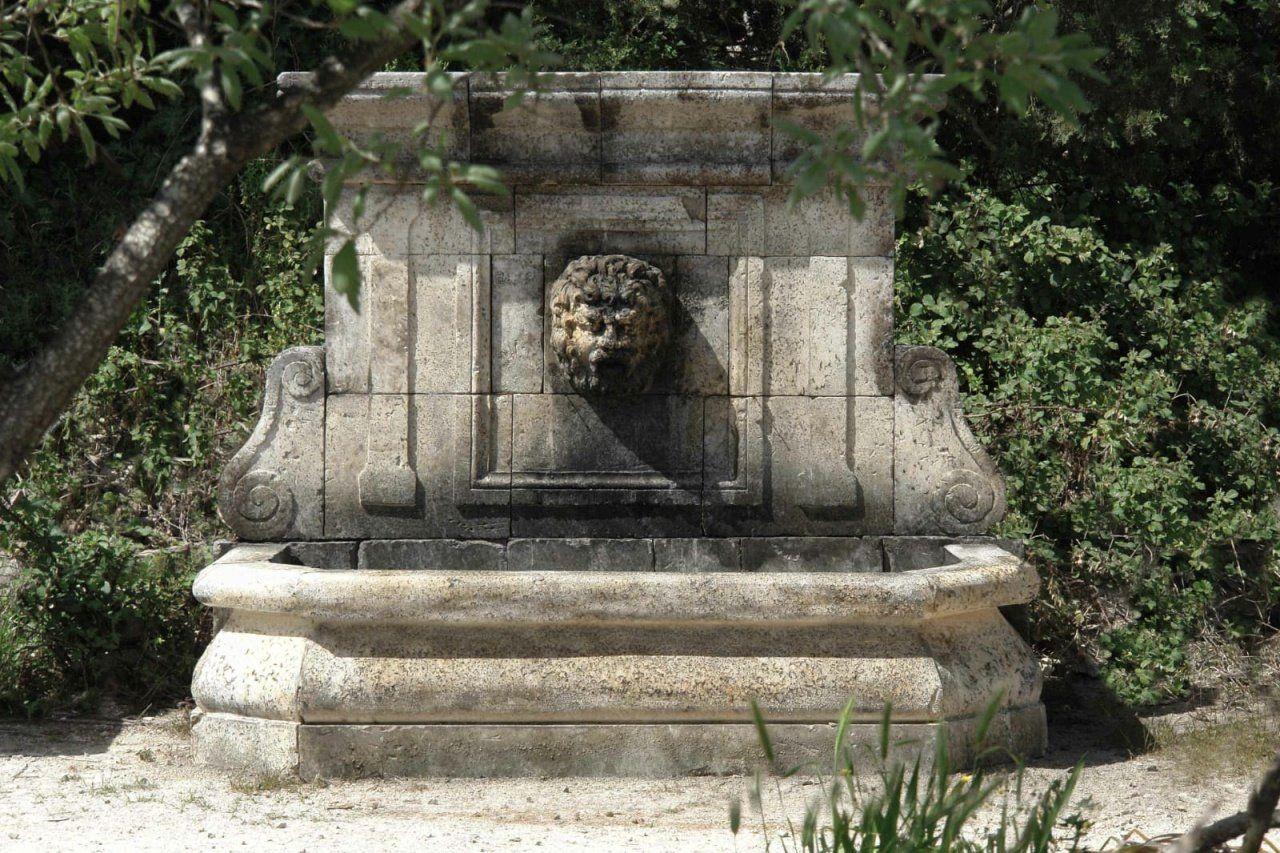 Vasche In Pietra Per Fontane grande fontana a parete in stile rinescimentale realizzata a
