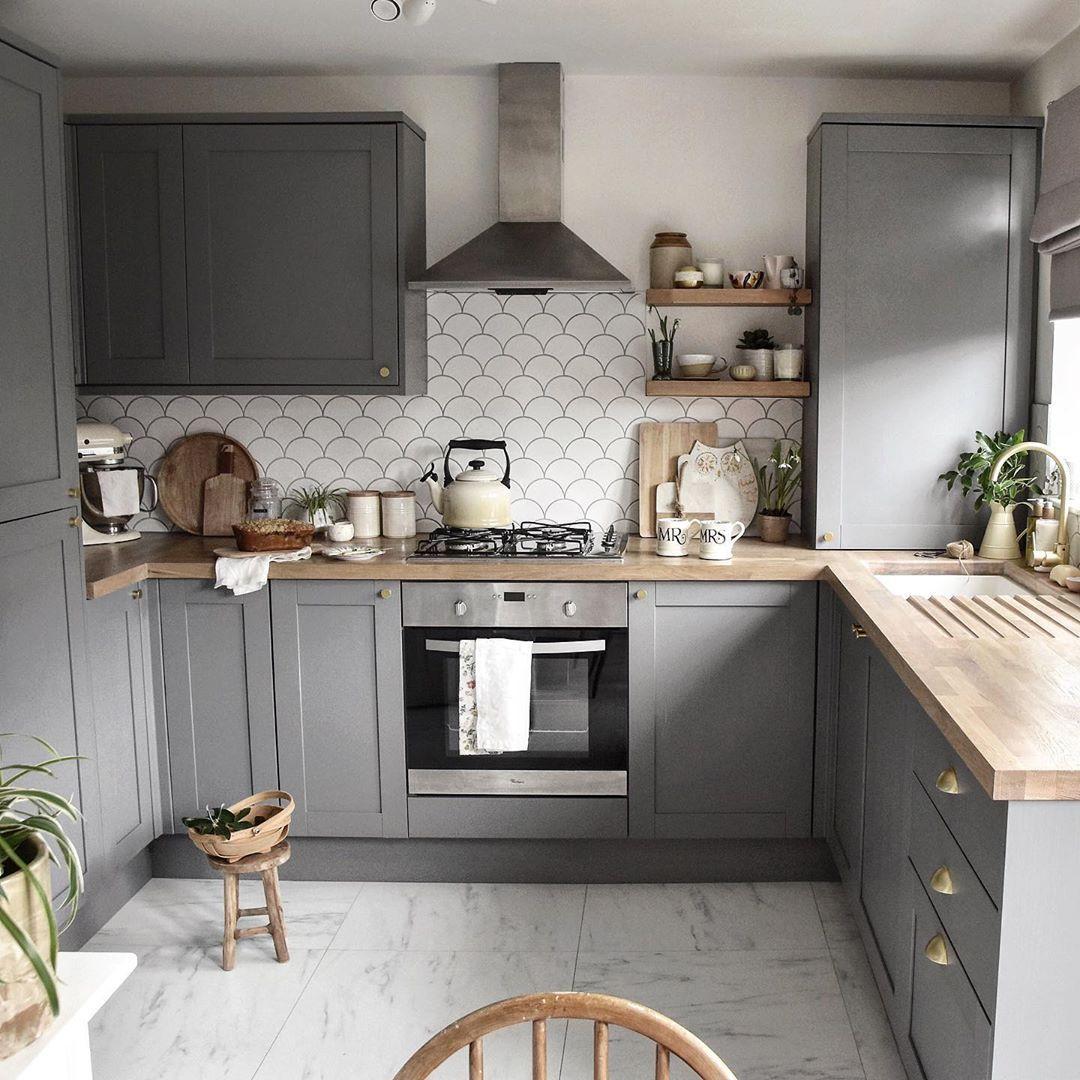 Fairford Slate Grey Kitchen In 2020 Kitchen Design Small Country Kitchen Designs Grey Kitchen Designs