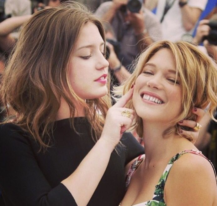 Adele Exarchopoulos And Lea Seydoux Blue Is The Warmest Colour