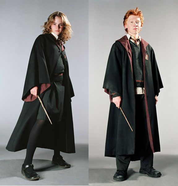 there are also two different styles of hogwarts student. Black Bedroom Furniture Sets. Home Design Ideas