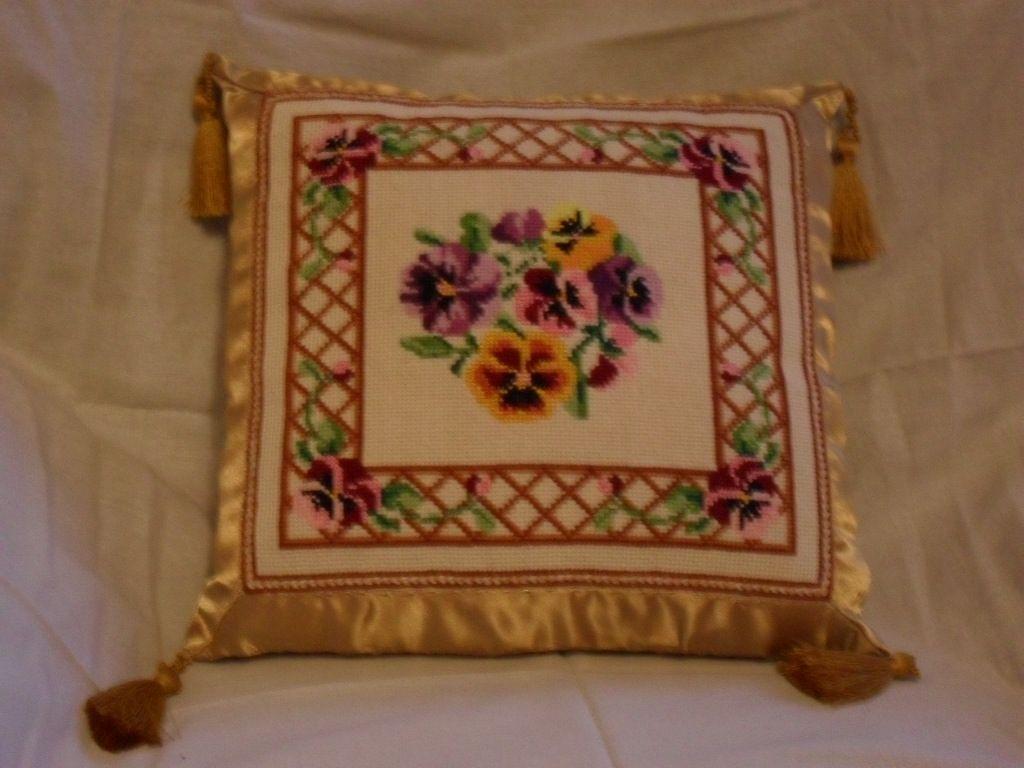 Another flower pillow - gold