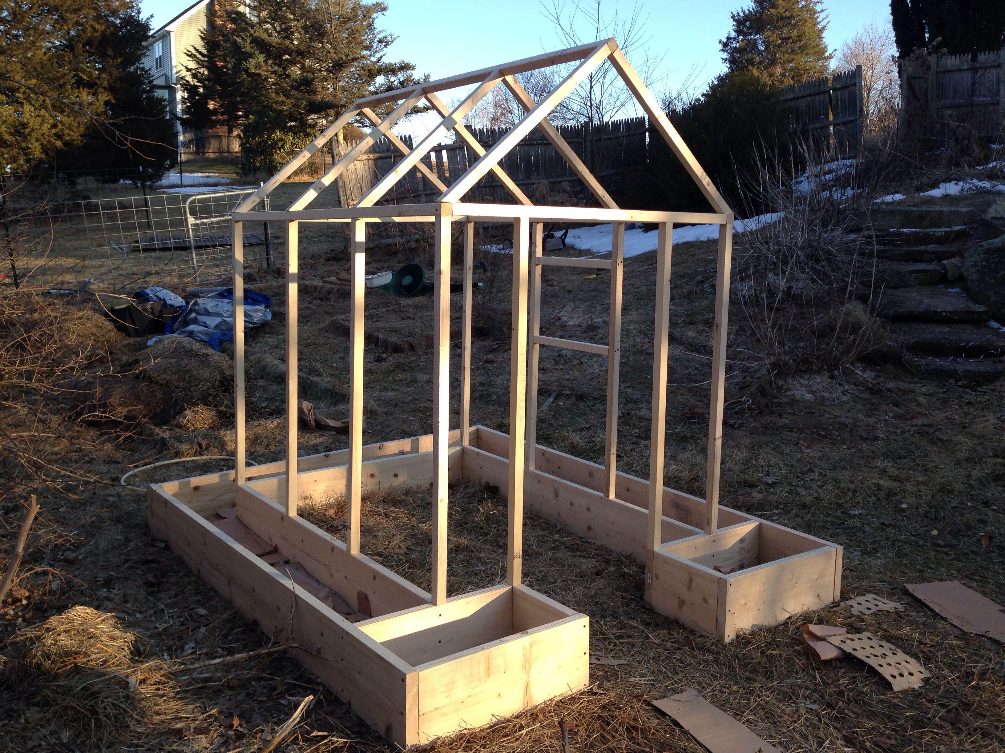 Structure pour recevoir un grillage et faire grimper les haricots ou ...
