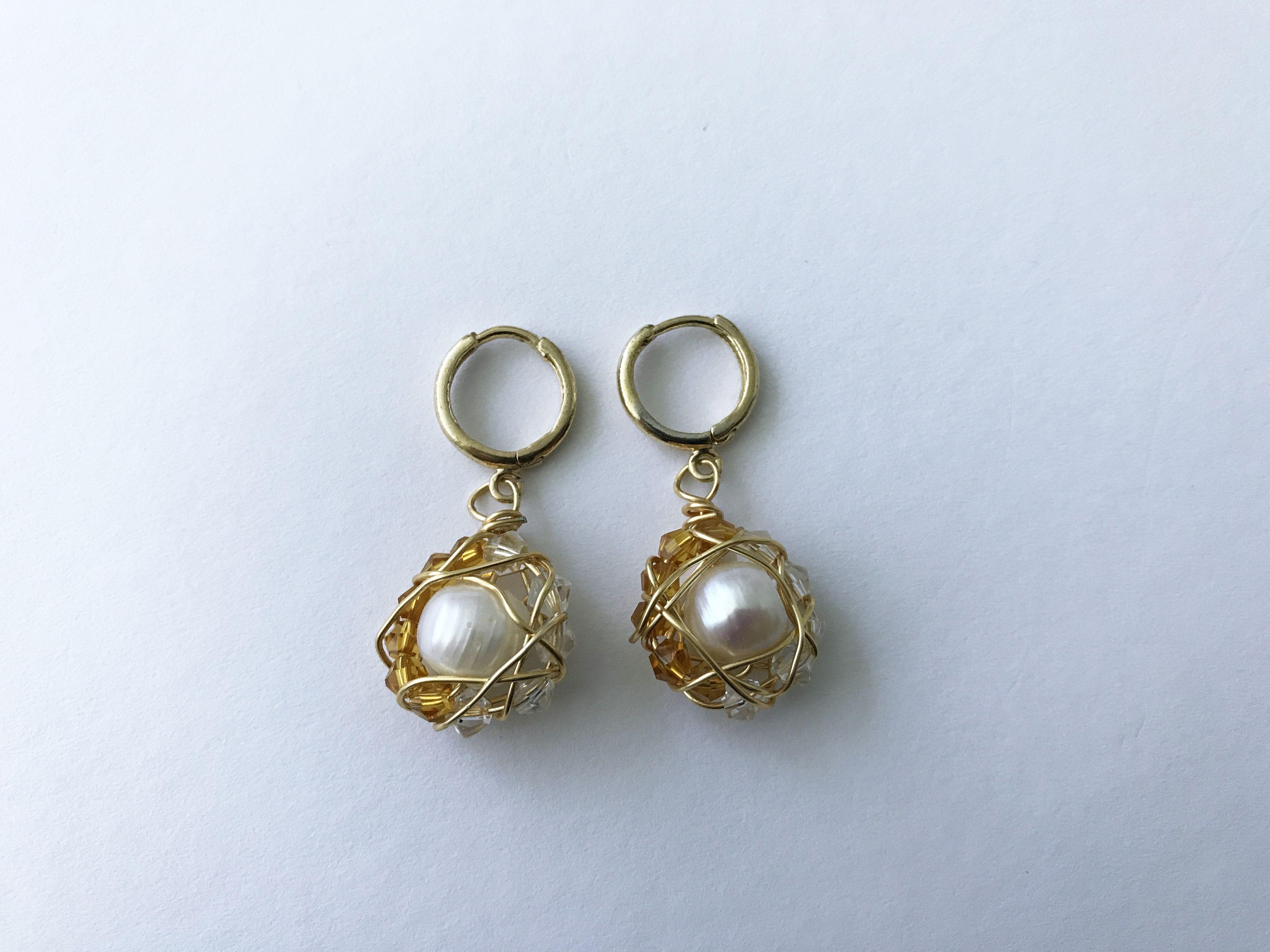 ca3b79bc3d38 Aretes Perlas aro cristal  Q125 Baño de oro 18k
