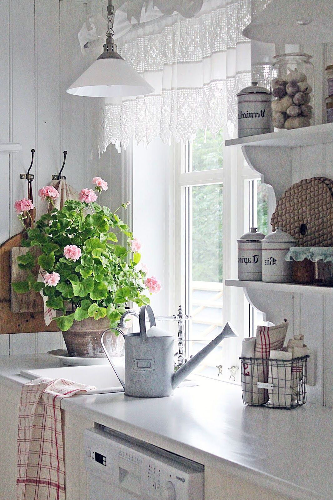 20 Adorable Scandinavian Kitchen Curtains Ideas Shabby Chic Kitchen Traditional Living Room Furniture Chic Kitchen