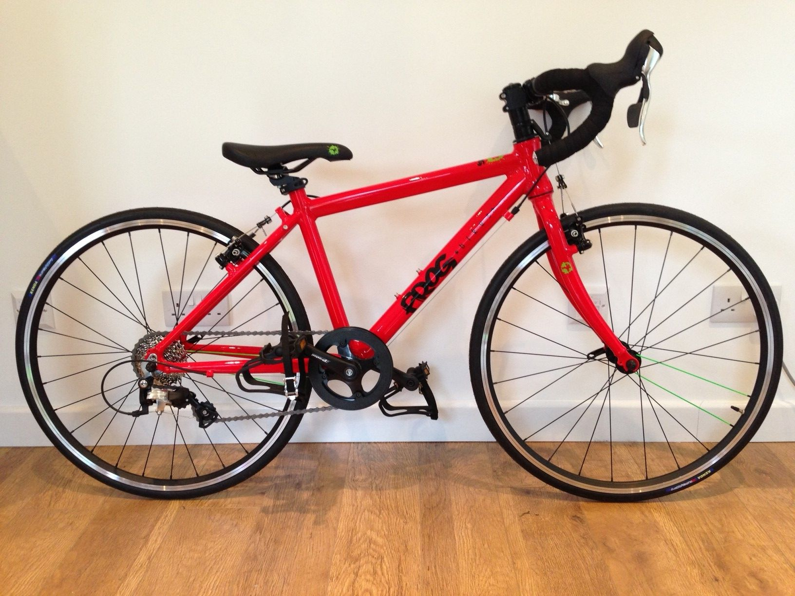 24 Road Bike Available In Red White And Black Cyclocross