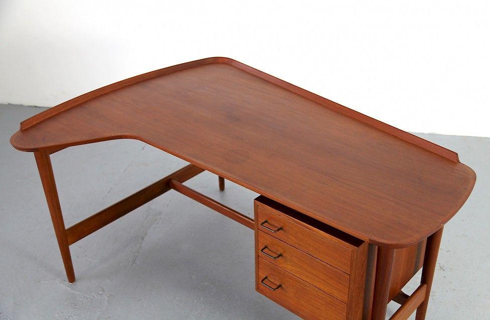 Schreibtischle Klassiker design klassiker teak schreibtisch bo 85 arne vodder fuer den