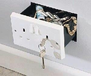 Caja fuerte secreta camuflada como enchufe en la pared - Como ponerse fuerte en casa ...