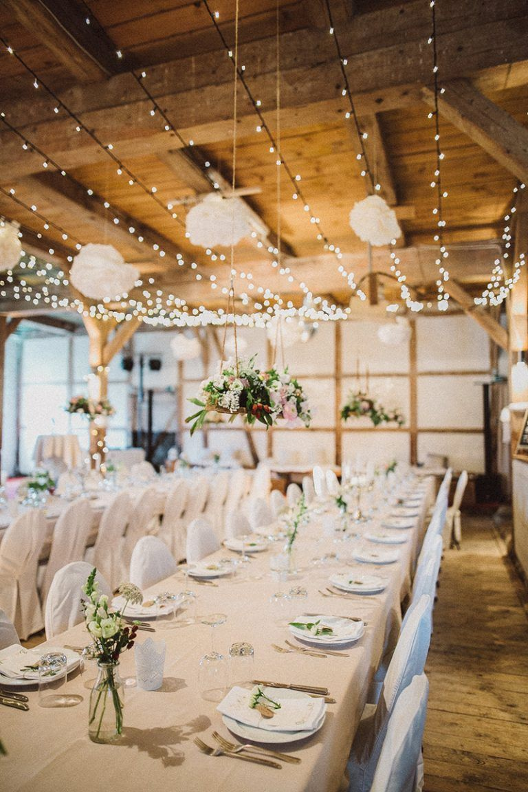 Scheunenhochzeit Auf Gut Monkhof Scheunen Hochzeit Hochzeitlocations Hochzeitstafel