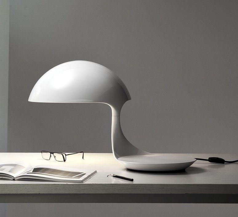 Lampe A Poser Cobra Blanc H40cm Martinelli Luce Lampe A Poser Lampe Design Lampe De Bureau