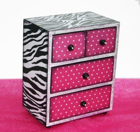 girls jewelry zebra box with hot pink polka dots personalized