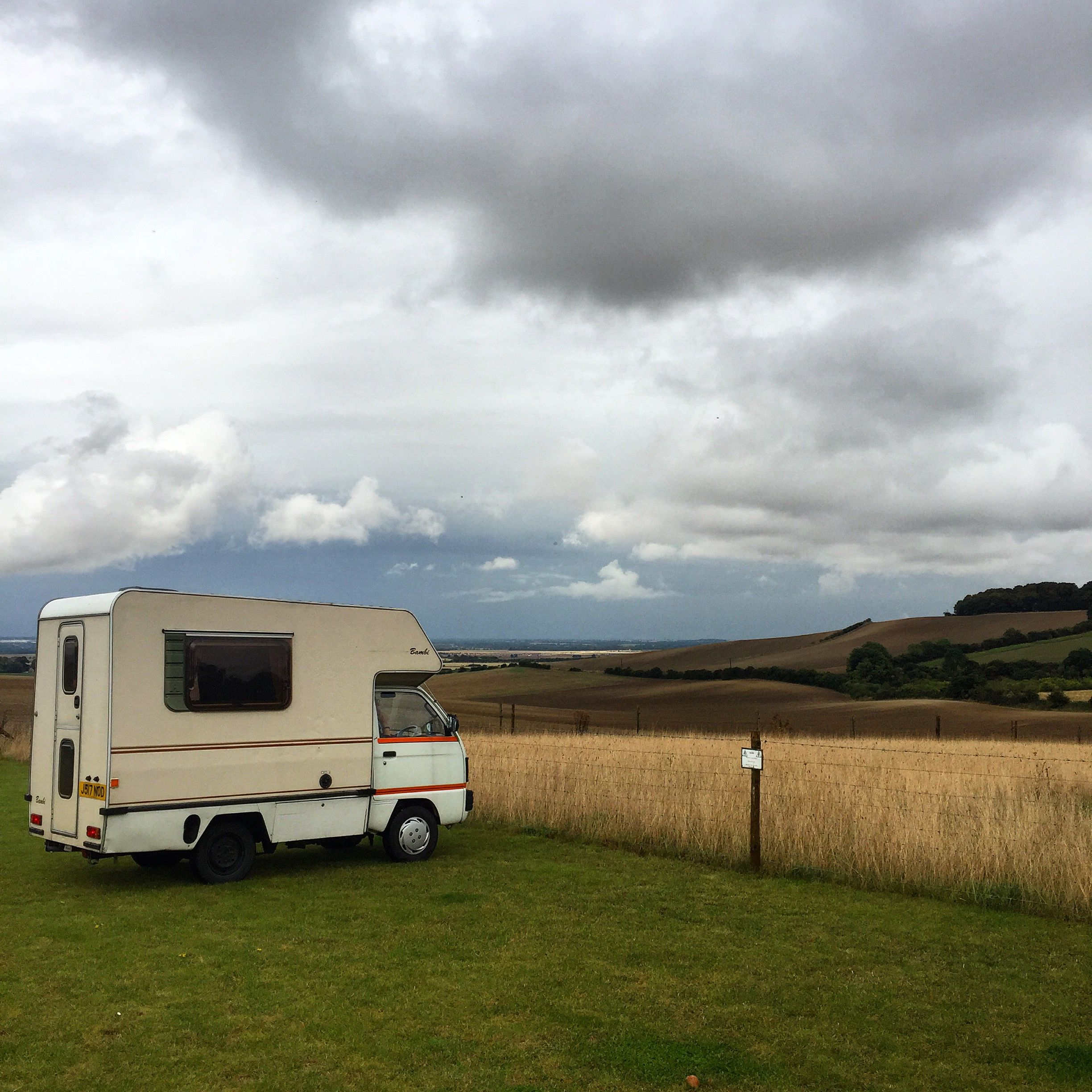 Having bought the little camper last week and already thought of a million and one things we could do to pimp her up, we figured the best thing to do was to try her out and see what we really neede…