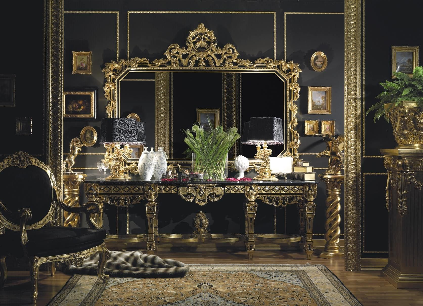 Hand Carved Italian Console In Gold Leaf Finish   Top And Best Italian Classic  Furniture
