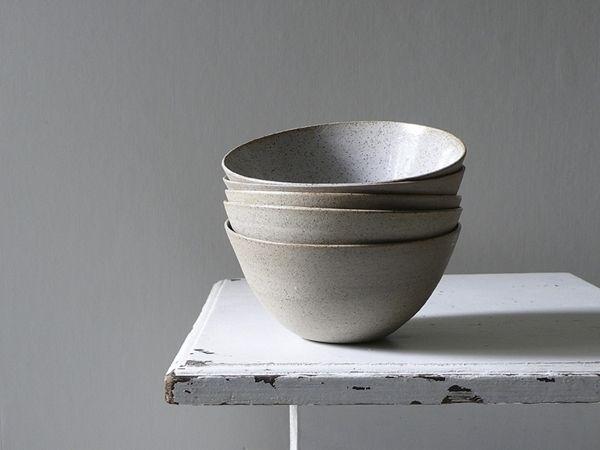 sue paraskeva natural speckled slanted bowl