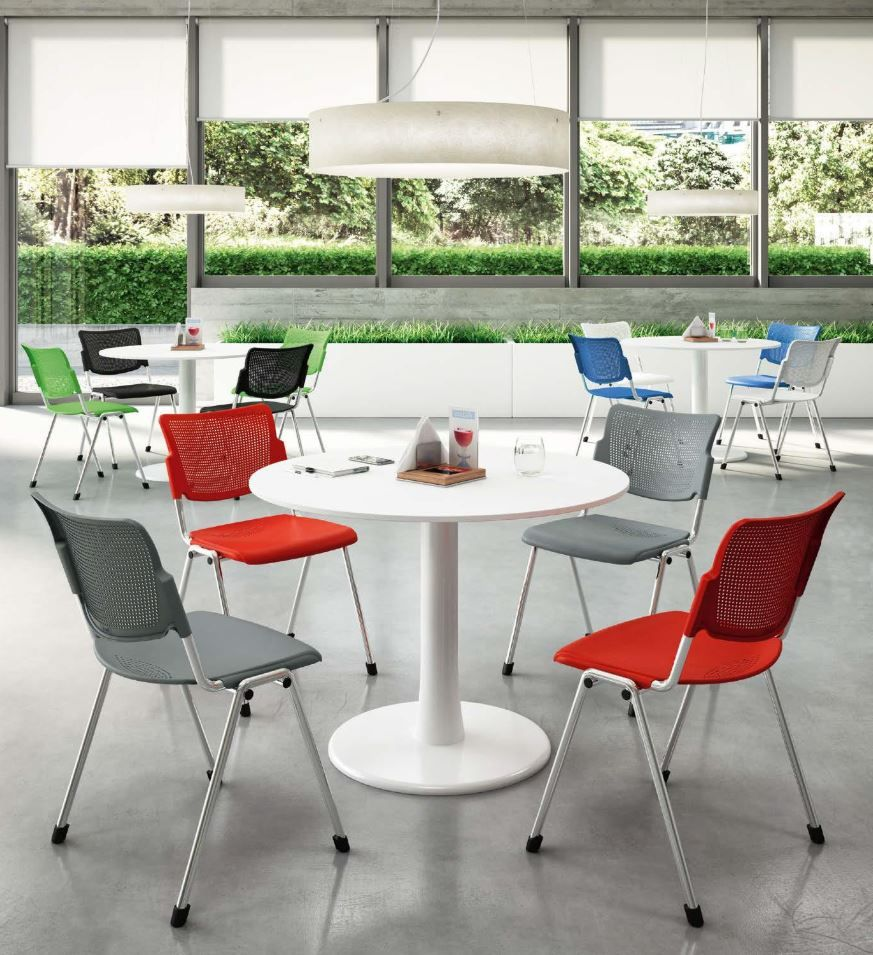 Quadrifoglio Mobili Per Ufficio.Range Of Tables And Coffee Tables With Metal Or Wood Structures In