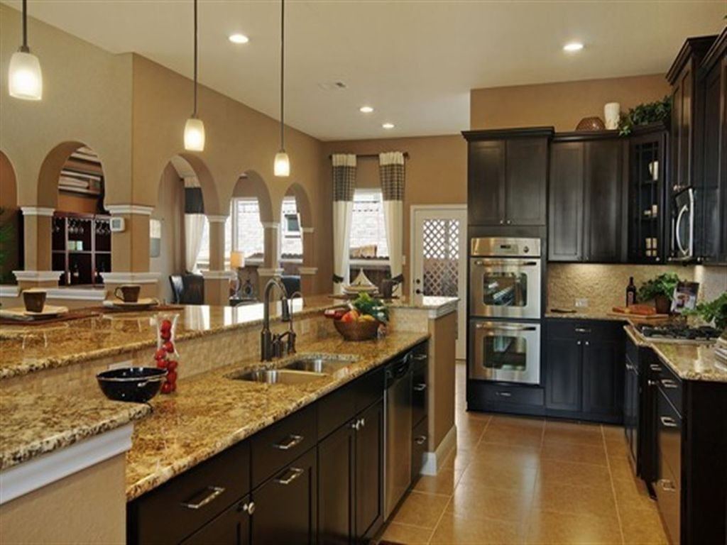 Best Traditional Kitchen With Shaker Cabinetry Barker Cabinets 400 x 300