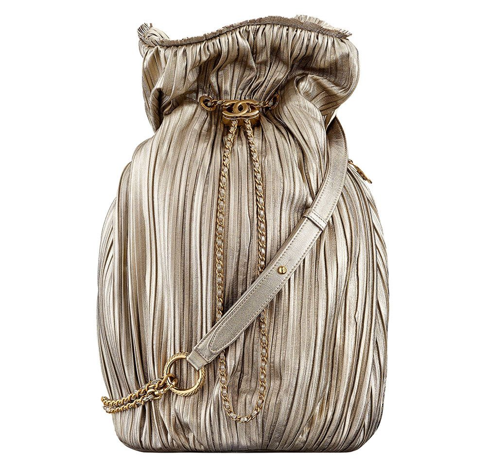 91c4c05605 Check Out 100 of Chanel's Ancient Greece-Inspired Cruise 2018 Bags, Along  With Their Prices - PurseBlog
