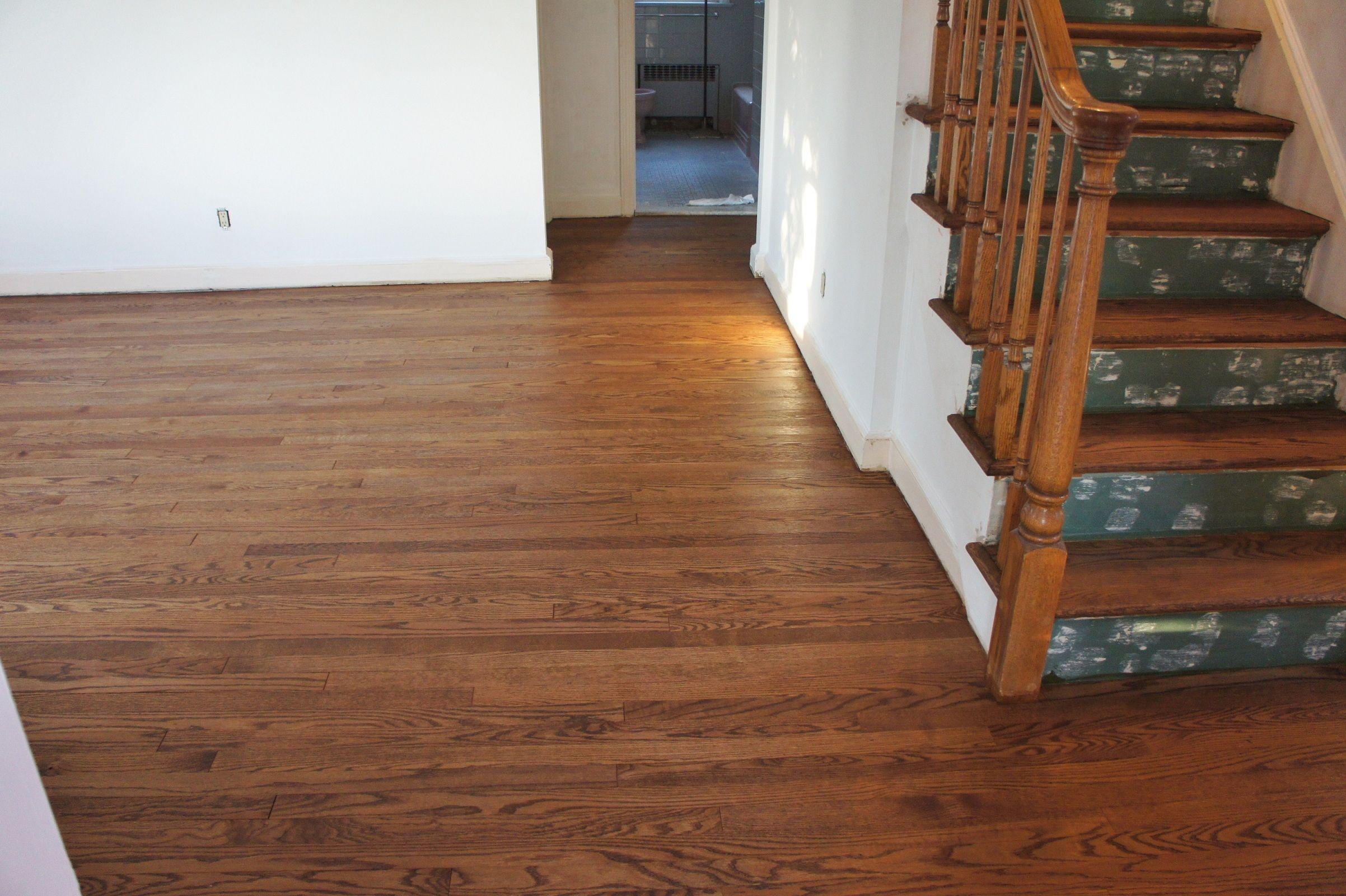 refinishing wood floors with water stains (mit Bildern)