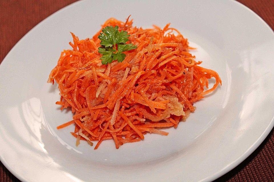 http://www.chefkoch.de/rezepte/1478571253095400/Moehren-Apfel-Salat.html