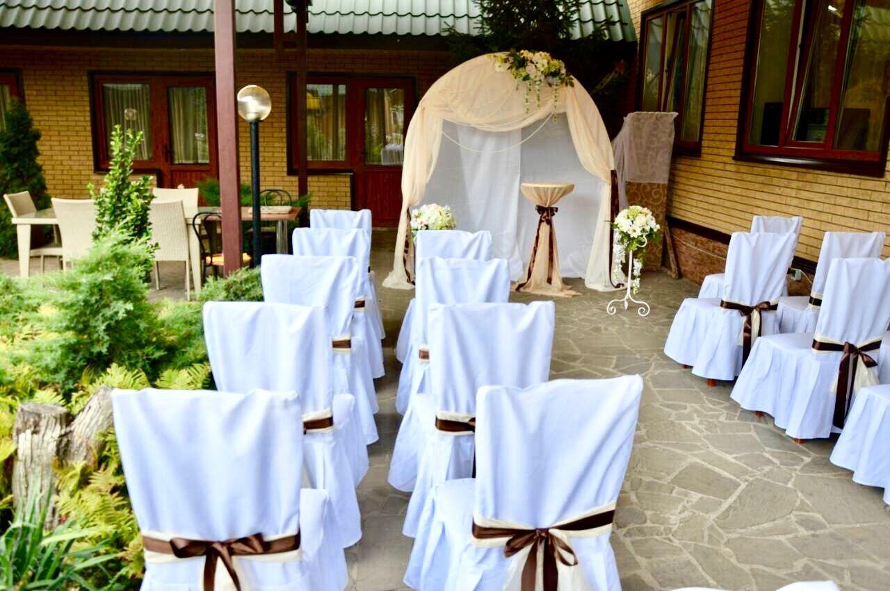 Blue and white wedding decor  Pin by Sirarpi Nikogosyan on Outside wedding ideas  Pinterest  Wedding