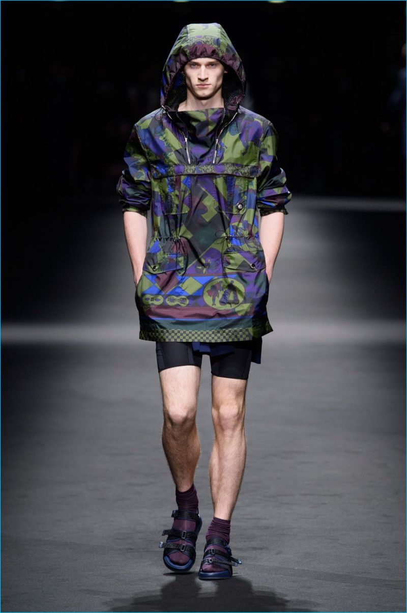8e1fc72c2de Versace prints are toned down for spring-summer 2017