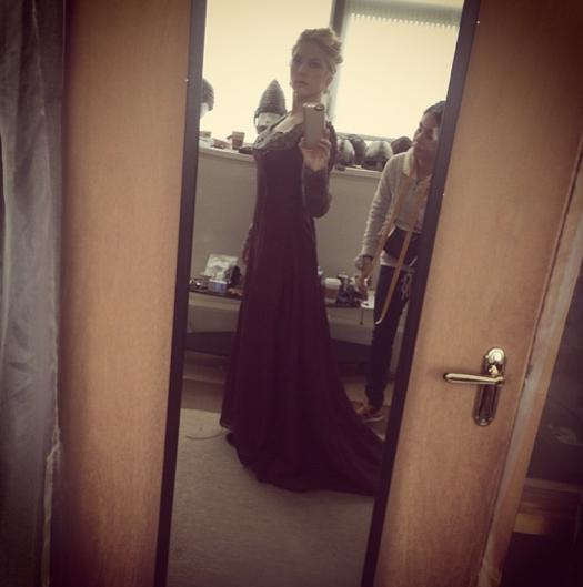 Katheryn Winnick Instagram | Katheryn Winnick in a new Lagertha costume for seas...#costume #instagram #katheryn #lagertha #seas #winnick