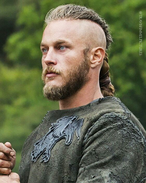 King Ragnar Wikinger Frisuren Travis Fimmel Ragnar Lothbrok