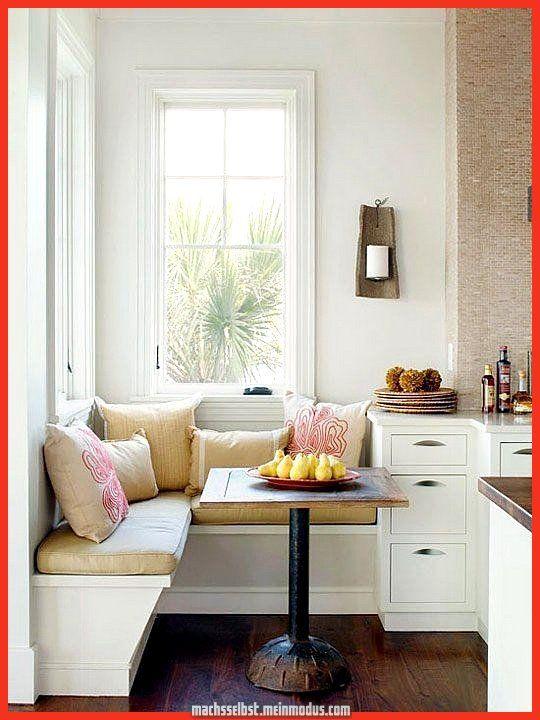 Stilvoller Loungebereich Fur Jedes Kleine Kochstube In Weiss Sitzecke Kuche Esstisch Quadratisch Und Kleine Kuche
