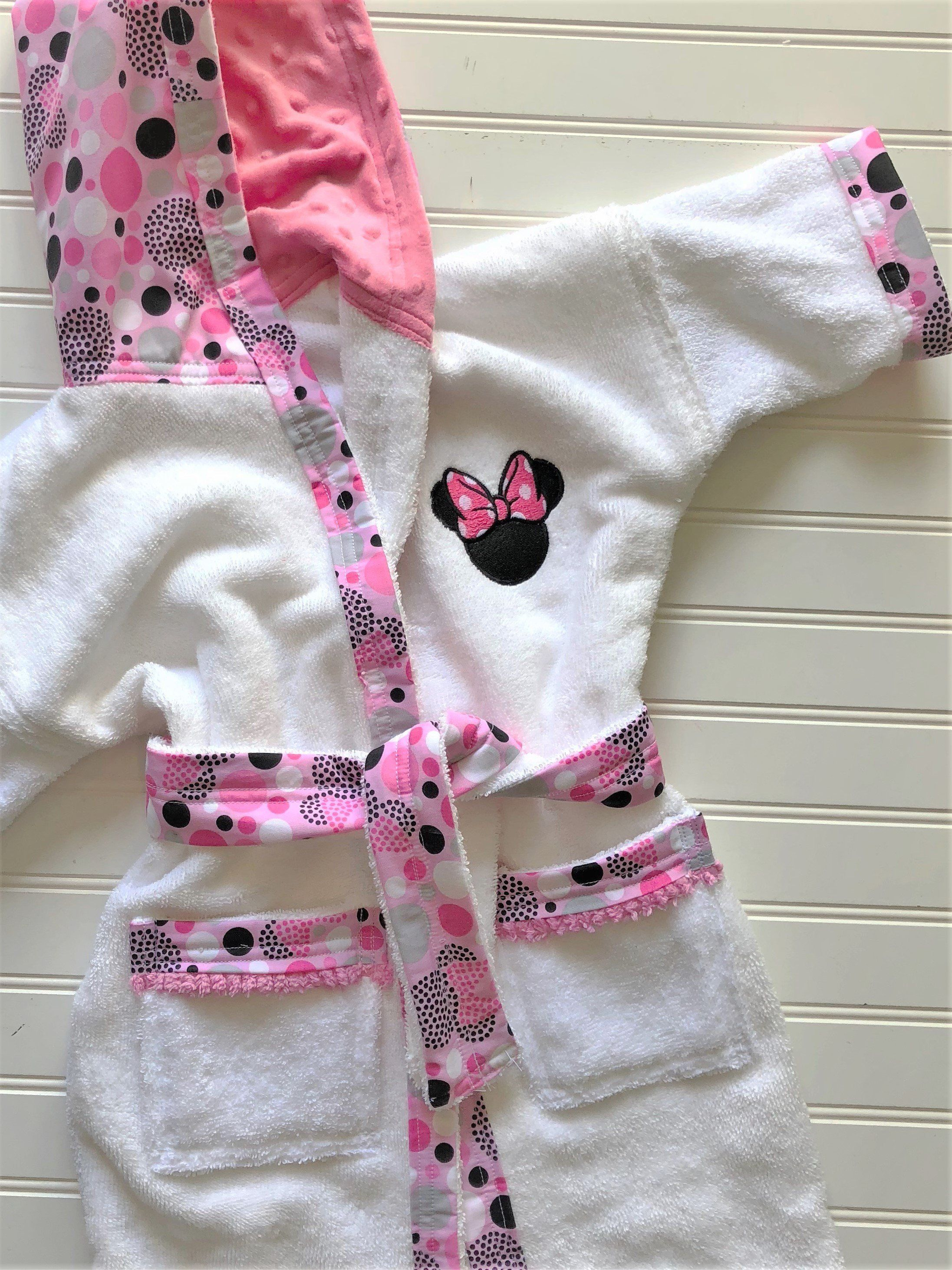 82cdb30b99 Personalized-Girls-Bath-Robe-Bathrobes-Hooded-Towels-Minnie-Mouse-Swimwear- Terry-Beach-Cover-Up-Baby-Toddler-Birthday-Holiday-Kids-Teen-Gift by  tanjadlyn on ...