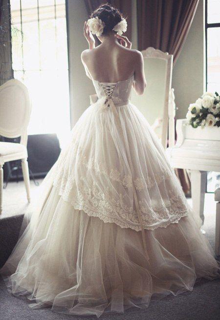 vestido de novia con espalda descubierta y doble caída   matri