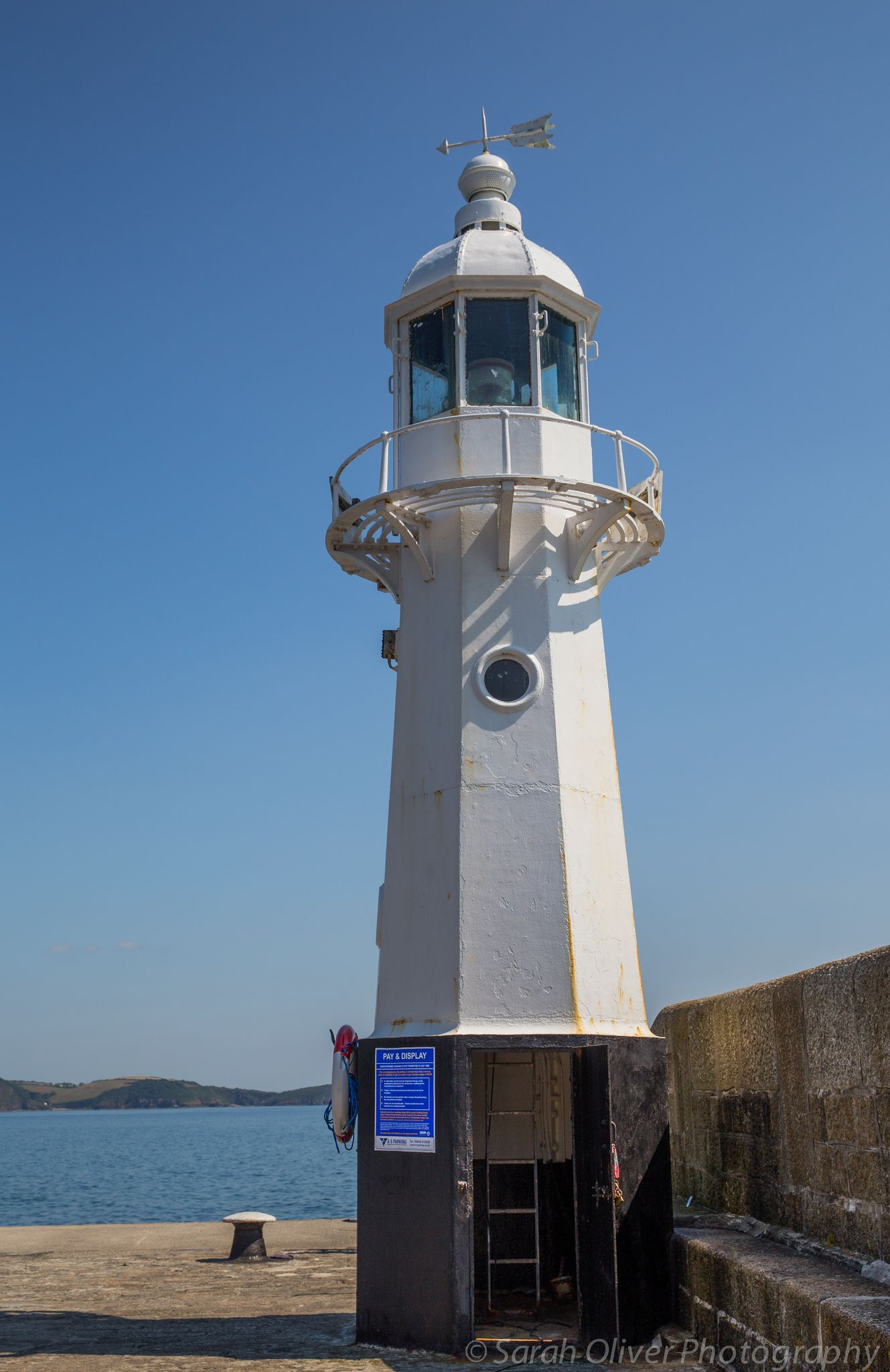 Mevagissey Harbour light, South Cornwall, UK