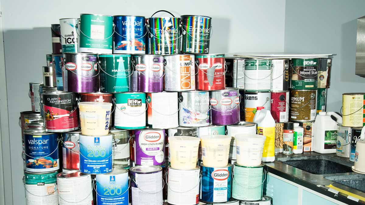 When Faced With Rows Of Stacked Cans At Home Depot Lowe S Or A Specialty Paint Retailer It S Impossibl Best Interior Paint Best Ceiling Paint Interior Paint