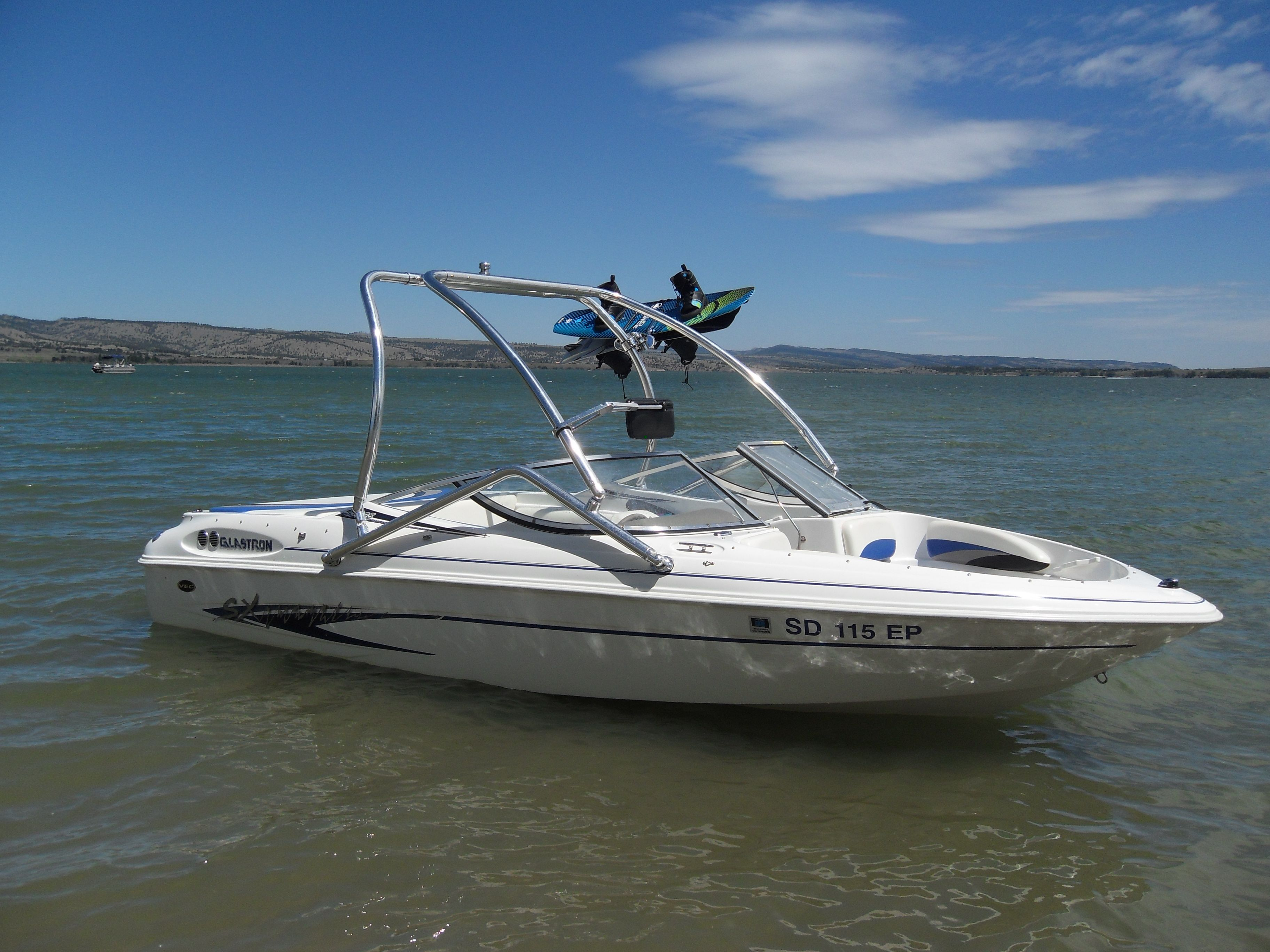 Big Air Vapor Wakeboard Tower On A 2003 Glastron 195sx Boat Wakeboarding Boat Tower