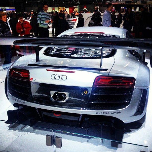 I Really Like This Audi R8 Cool Spoiler!