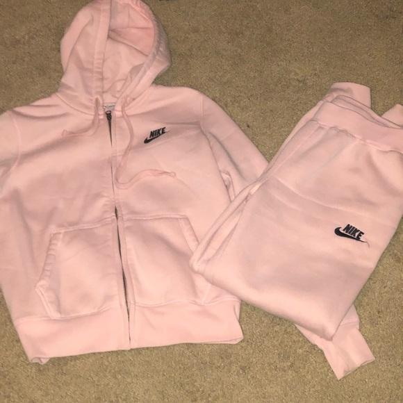 Nike Other | Pink Sweatsuit | Poshmark | Sweatsuit, Trendy ...