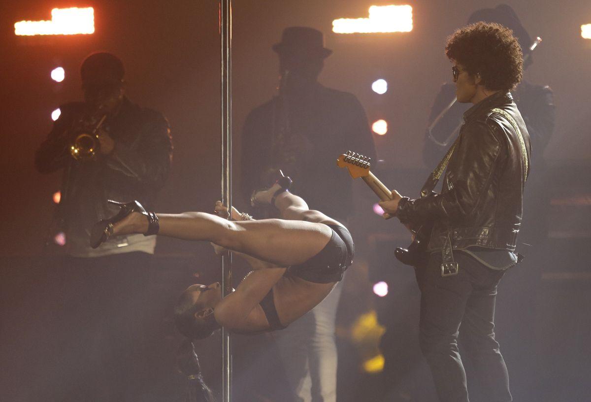 Actuación de Bruno Mars en los MTV EMA 2013
