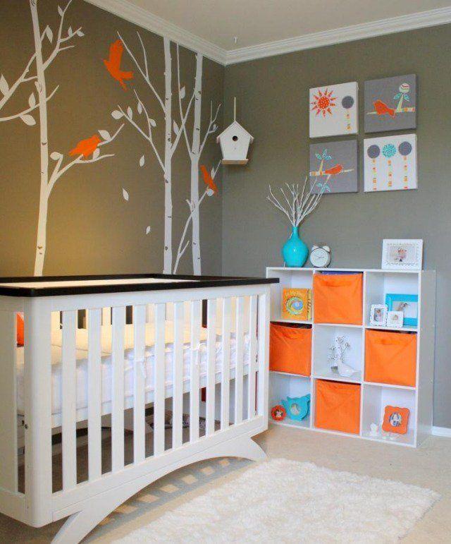 chambre bébé neutre aux accents en orange et turquoise ...