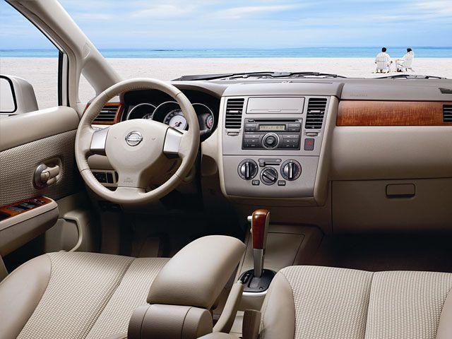 Nissan Tiida Sedan Nissan Pinterest Nissan Japanese Cars
