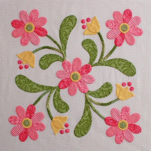 Tutorial applique petals: | Mug Rugs or Placemats | Pinterest ... : applique quilt patterns flowers - Adamdwight.com