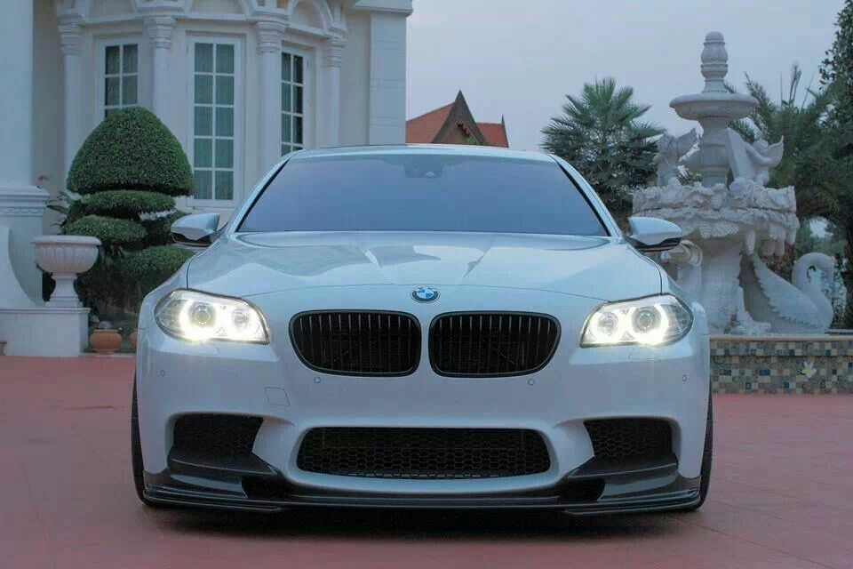 Bmw F10 M5 Alpine White Front Stance With Images Bmw Luxury