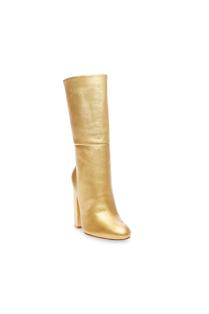Look at the latest style I found on the Steve Madden app. Check it out here.    http://tinyurl.com/z3p8a9z