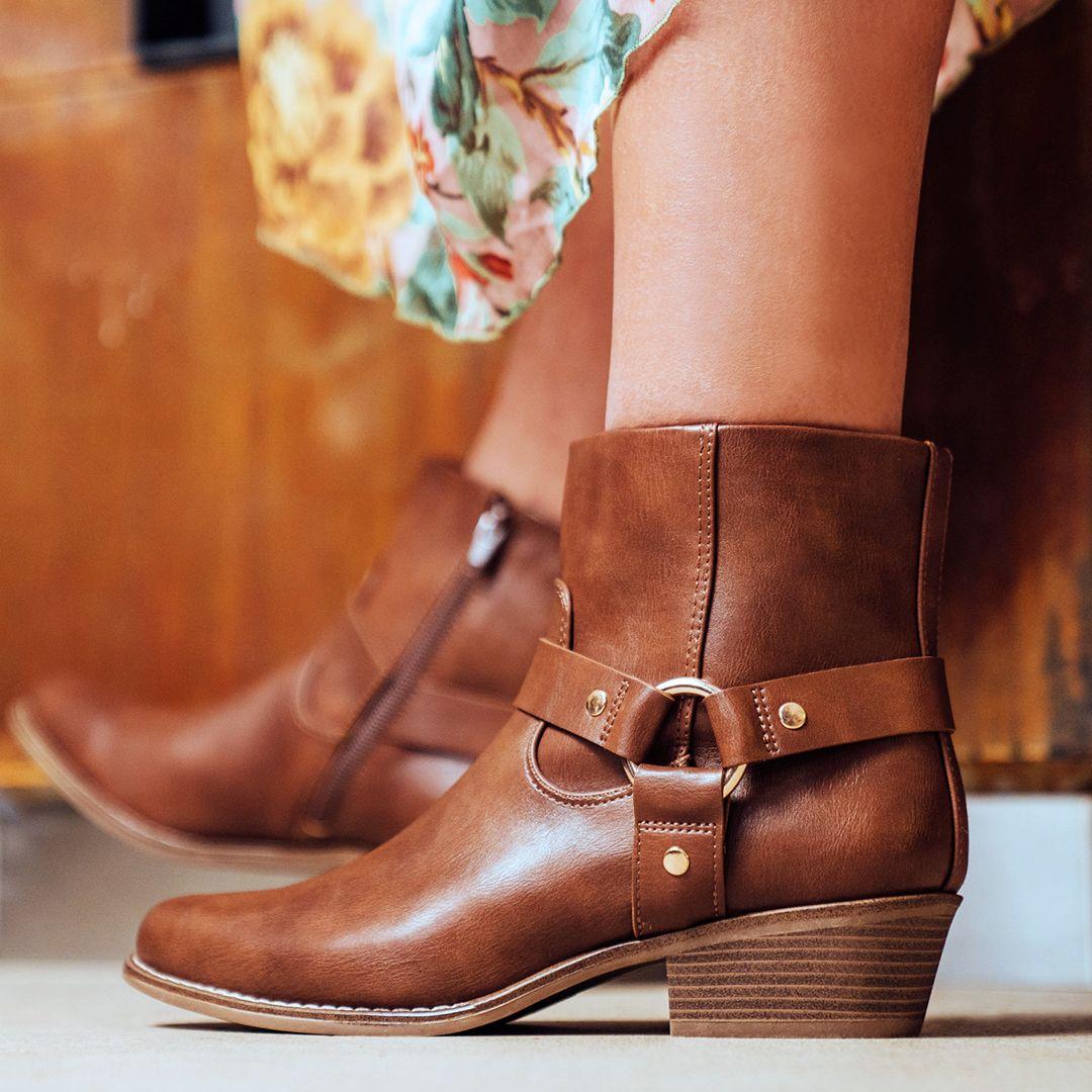 Catwalk Western Boots   DEICHMANN AT