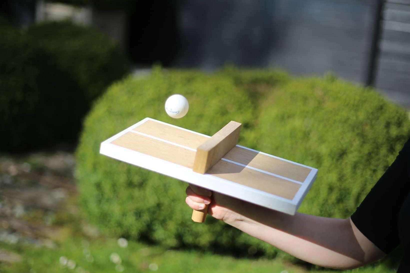 Voici Un Tutoriel Pour Fabriquer Une Drole De Table De Ping Pong Pour Jouer Seul L 39 Objectif Est De Faire Re Table De Ping Pong Jeux En Bois Mini Jeux